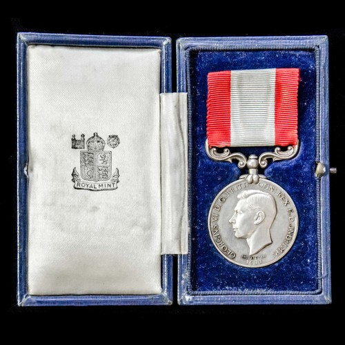 London Medal Company - ​A cased Rocket Apparatus Volunteer L...