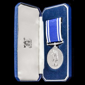 London Medal Company - A cased Police Long Service and Good ...