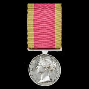 London Medal Company - A China Medal 1842, fitted with orig...