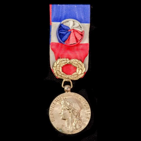London Medal Company France: Medal of Honour for L.