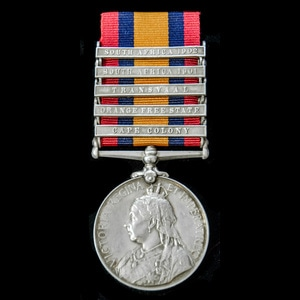 London Medal Company - A Queen's South Africa Medal 1899-190...