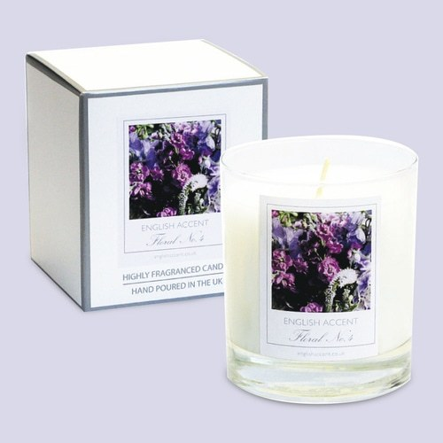 White Blossom Scented Candle - product image